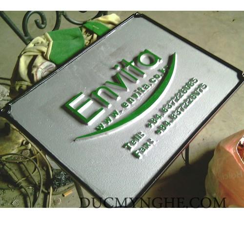 Bảng hiệu Envita đúc bằng nhôm nguyên khối sơn màu chữ nổi 10mm BHLG003 - Hình 1