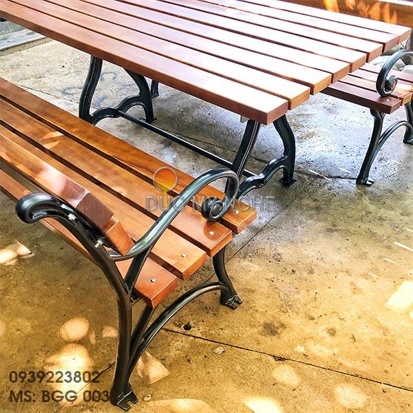Bàn Ghế Sân Vườn Gang Đúc Ngoài Trời Gỗ Gõ Đỏ Đẹp Cao Cấp BGG 003 - Hình 10