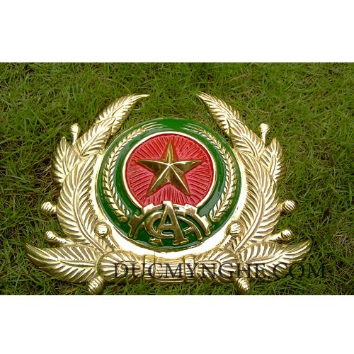 Huy hiệu công an quân đội đúc bằng đồng thau đánh bóng vàng 18k BHLG001 - Hình 2