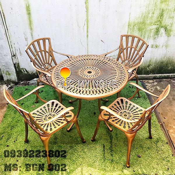 Bàn Ghế Sân Vườn Hợp Kim Nhôm Đúc Gia Đình Khách Sạn BGN002 - Hình 1