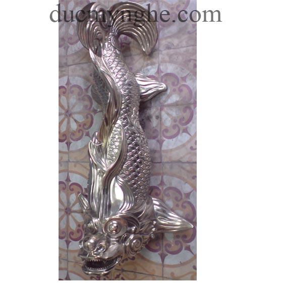 Cá chép phun nước tiểu cảnh đúc bằng đồng cho khách sạn Majestic TD005 - Hình 1