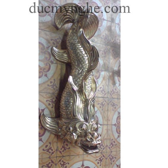 Cá chép phun nước tiểu cảnh đúc bằng đồng cho khách sạn Majestic TD005 - Hình 2