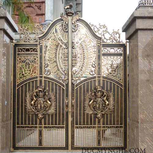 Cửa cổng Nhôm đúc CN004 - Hình 1