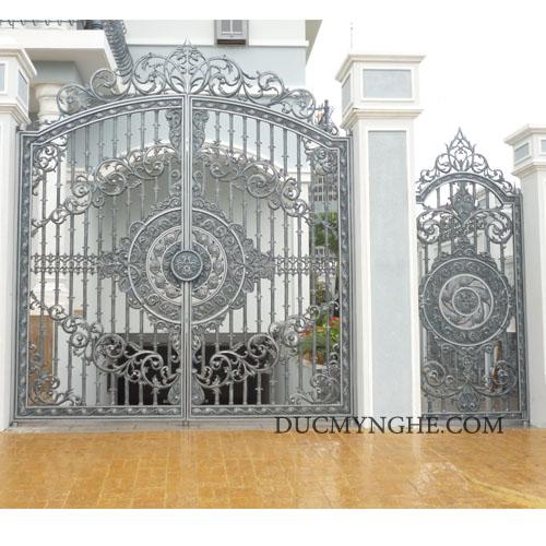 Cửa cổng Nhôm đúc CN006 - Hình 1