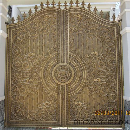 Cửa cổng Nhôm đúc CN006 - Hình 2