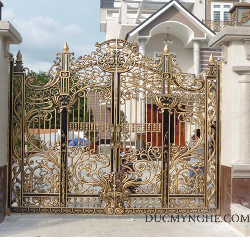 Cửa cổng Nhôm đúc CN001 - Hình 2