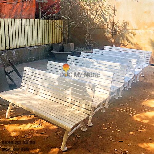 Ghế Băng Dài Công Viên Gang Đúc Đẹp Ngồi Chờ Gỗ Ngoài Trời Không Tay Vịn GD006 - Hình 10