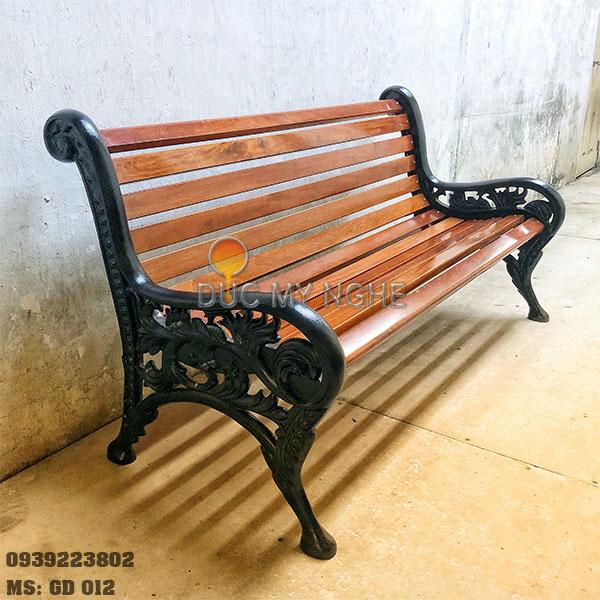 Ghế Công Viên Gang Đúc Gỗ Ngoài Trời Sân Vườn Biệt Thự Đẹp Nhất Tphcm GD002 - Hình 1
