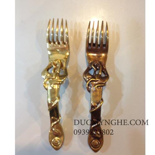 Tay nắm tủ đúc đồng  dao muỗng nĩa rất thích hợp tủ bếp gia đình TNT001 - Hình 1