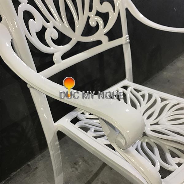 5 bước kiểm tra bàn ghế sân vườn, ngoài trời Nhôm đúc đạt chất lượng