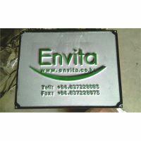 Bảng hiệu Envita đúc bằng nhôm nguyên khối sơn màu chữ nổi 10mm BHLG003