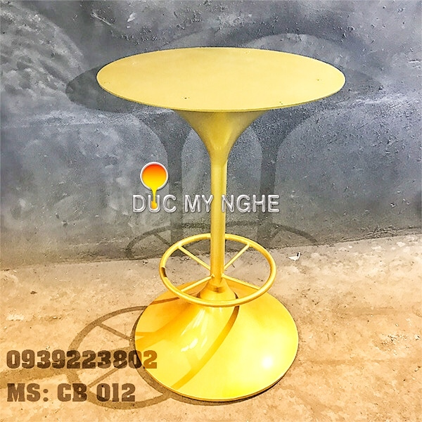 chan-ban-cafe-bar-nha-hang-de-tron-tulip-gang-duc-cb012-2