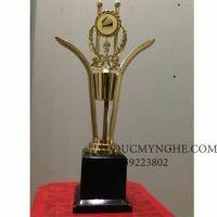 Cúp đúc đồng đánh bóng sáng như vàng 18k trao giải doanh nghiệp CD008
