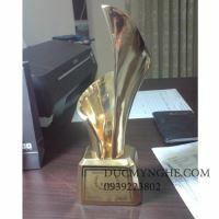 Cúp đúc đồng trao giải doanh nhân đất việt CD003