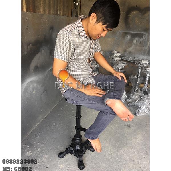 Ghế Bar Beer Club Gác Chân Sắt Chân Gang Đúc Sơn Tĩnh Điện GB002