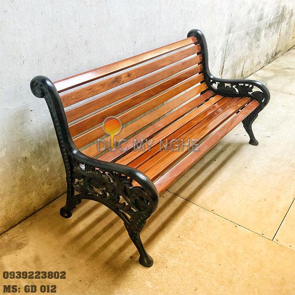 Ghế Công Viên Gang Đúc Gỗ Ngoài Trời Sân Vườn Biệt Thự GD012