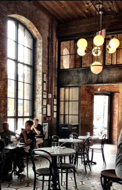 Những Mẫu Bàn Ghế Cafe Đẹp Sân Vườn Ngoài Trời Sử Dụng Ở Chẩu Âu