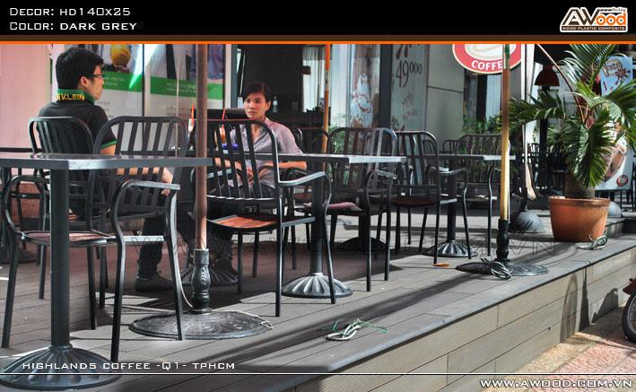 Bàn Ghế Cafe Ngoài Trời - Nhà Hàng Cao Cấp Bạn Nên Chọn Bàn Ghế Đúc Vì Sao